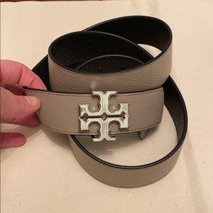 Tory Burch reversible logo belt 1 1/2 wide
